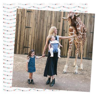 Nosítko ERGOBABY 360 Four Position Sophie La Girafe 2017 + DÁREK - 4