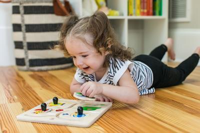 Dřevěná hračka BABY EINSTEIN Puzzle Paths to Adventure HAPE 12m+ 2020 - 4