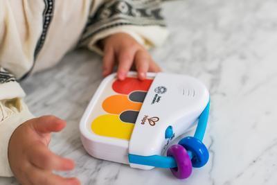 Dřevěná hudební hračka BABY EINSTEIN Mini piano Magic Touch HAPE 3m+ 2020 - 5
