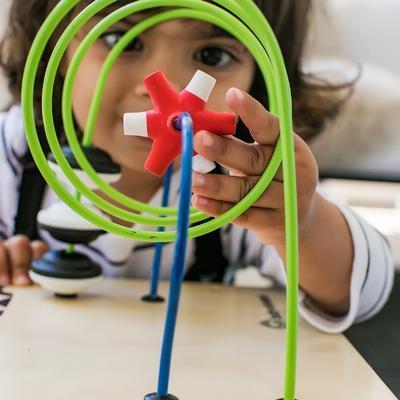 Dřevěná aktivní hračka BABY EINSTEIN Kostka Innovation Station HAPE 12m+ 2020 - 6
