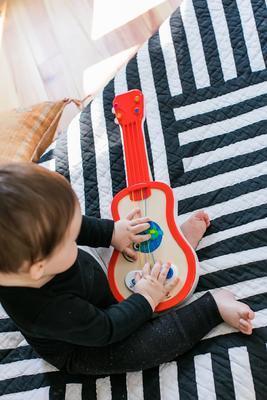 Dřevěná hudební hračka BABY EINSTEIN Ukulele Magic Touch HAPE 12m+ 2020 - 6