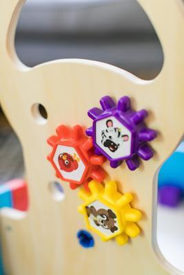 Dřevěná aktivní hračka BABY EINSTEIN Vlečka Discovery Buggy HAPE 12m+ 2020 - 6