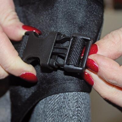 Přenosná textilní židlička DOOKY Travel Chair Black 2020 - 6
