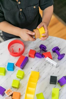 Dřevěná hračka BABY EINATEIN Stavebnice Curious Creations Kit HAPE 12m+ 2020 - 7