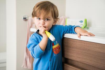 Dětský elektrický kartáček NUVITA Baby Dental Kit 2020 - 7